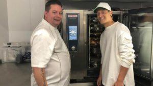Mesut Özil'den 50 bin kişiye yemek yardımı
