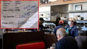 Müşterinin bıraktığı 2 bin dolarlık bahşişi alamayan garson için devreye patronu girip çek yazdı
