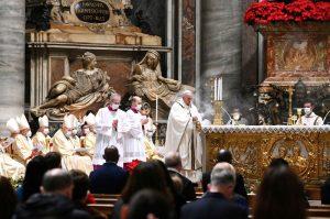 Vatikan'da koronavirüs gölgesinde Noel ayini yapıldı