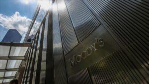 Moody's: İngiltere'de havalimanı trafiği 2024'den evvel salgın öncesi seviyelere dönmeyecek
