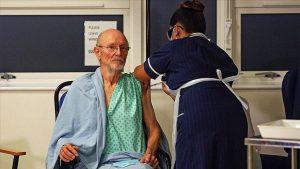 İngiltere'de ilk haftada 137 bin 897 kişiye Kovid-19 aşısı yapıldı