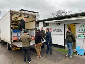 Britanya Alevi Federasyonun'dan gıda yardımı