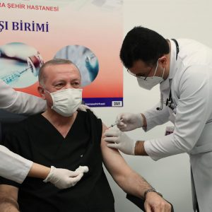 TC Cumhurbaşkanı Erdoğan, Covid aşısı olduğunu duyurdu