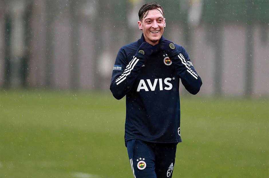 Mesut Özil'in imza töreni için geri sayım