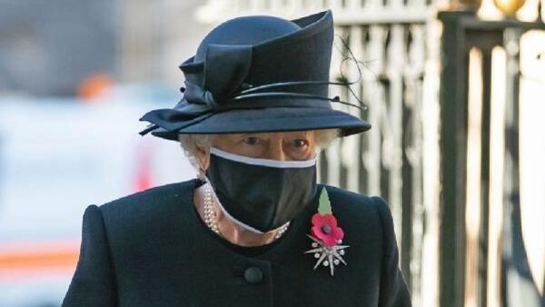 Kraliçe II.Elizabeth, koronavirüs aşısı oldu
