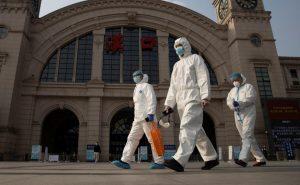 Koronavirüsün salgınının nasıl başladığını araştıracak Dünya Sağlık Örgütü heyeti Çin'de