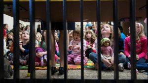 İngiltere'de 'en tehlikeli çocuk tacizi suçlularına' yönelik operasyonlarda 320 kişi tutuklandı