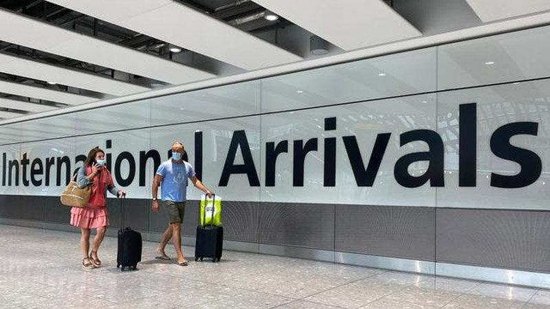 İngiltere'den birçok ülkeye uçuş yasağı kararı