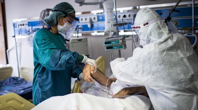 Covid-19'u atlatanların üçte biri ilk 5 ayda tekrar hastaneye kaldırıldı