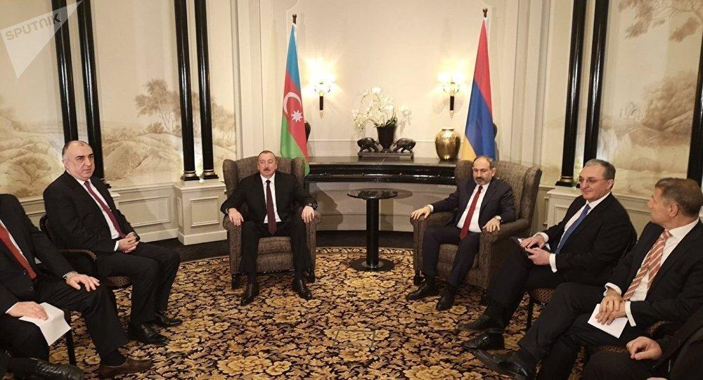 Dağlık Karabağ: Aliyev ve Paşinyan, ateşkes sonrası ilk kez bir araya geldi