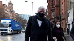 İngiltere'de mahkeme Assange'ın kefaletle serbest bırakılma talebini reddetti