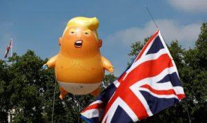 """Dev """"Bebek Trump"""" balonu Londra Müzesi'nde sergilenecek"""