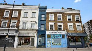 Londra'nın en dar evi 1 milyon sterline satışa çıktı