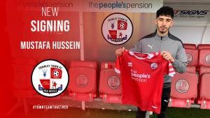 Mustafa Hussein, Crawley Town'a transfer oldu