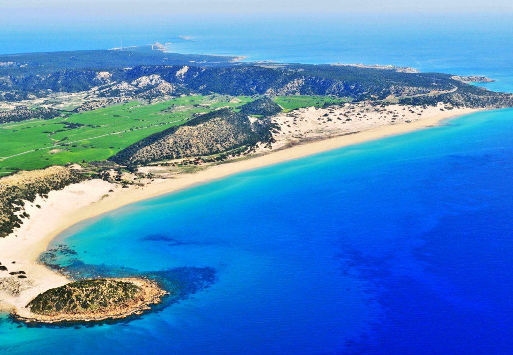 'Aşılanan' İngiliz turistler Kuzey Kıbrıs'a nasıl gidileceğini soruyor, net yanıt alamıyor