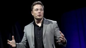 Elon Musk, Tesla Roadster modelini uçurmayı planladığını duyurdu