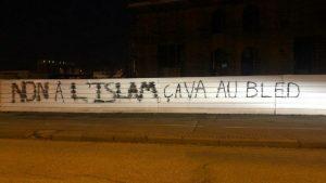 Avrupa'nın en büyüğü olacak camiye ırkçı saldırı