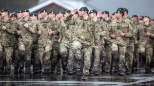 İngiltere, askeri personel sayısını azaltacak