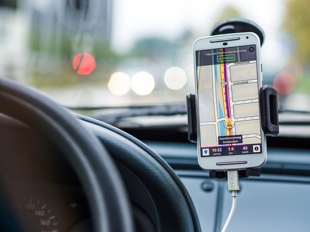 İngiltere'de Yüksek Mahkeme: Uber şoförlerin çalışan haklarına tabi olduğuna hükmetti