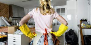 Boşanma davasında, kocanın karısına ev işleri için tazminat ödemesi kararı