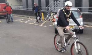 Sabri Özaydın'nın bisiklet turu bölge ve ulusal basına konu oldu