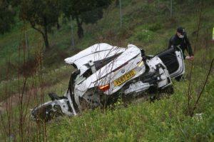 Korkunç kazada İngiltere plakalı otomobilin sürücüsü hayatını kaybetti