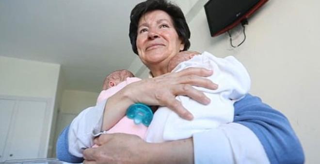 65 yaşında ikiz bebek doğuran kadının çocuklarını elinden aldılar