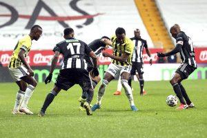 Beşiktaş Fenerbahçe derbisi berabere sonuçlandı