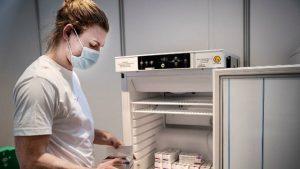 New York Times: ABD milyonlarca doz AstraZeneca aşısını depolarda tutuyor