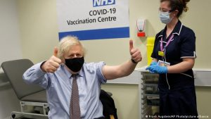İngiltere kendi vatandaşlarını aşılamadan diğer ülkelere Covid-19 aşısı satmayacak