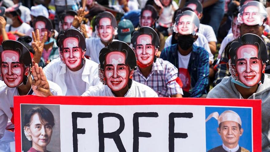 Myanmar'da polis darbe karşıtlarına ateş açtı, en az 18 kişi hayatını kaybetti