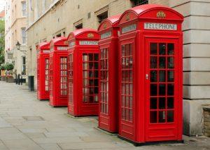 Kırmızı telefon kutuları 1 pound karşılığında satıldı