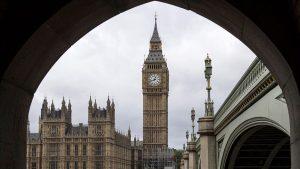 İngiltere, sığınmacıları, başvuruları onaylanana kadar üçüncü ülkelere göndermeyi planlıyor