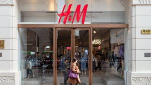 Uygur Türkleri: 'Sincan pamuğu kullanmıyoruz' diyen Nike ve H&M, Çin'de boykot ediliyor