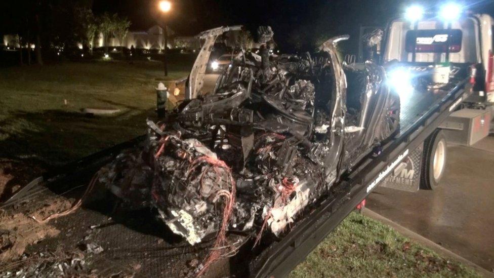 """""""2 kişinin öldüğü Tesla kazasında otopilot devrede değildi"""""""