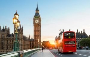 İngiltere'de aşılamalarla birlikte iş dünyasındaki güven artıyor