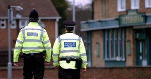 """İngiltere'de bir polis """"aşırı sağcı terör grubu""""na üye olmaktan suçlu bulundu"""