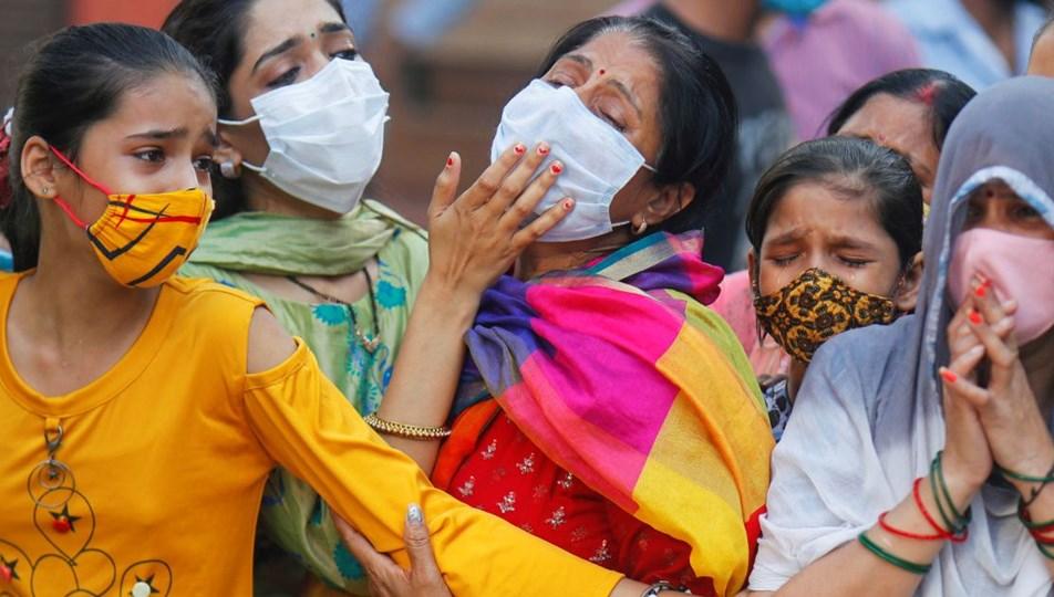 Hindistan'da salgın trajediye dönüştü