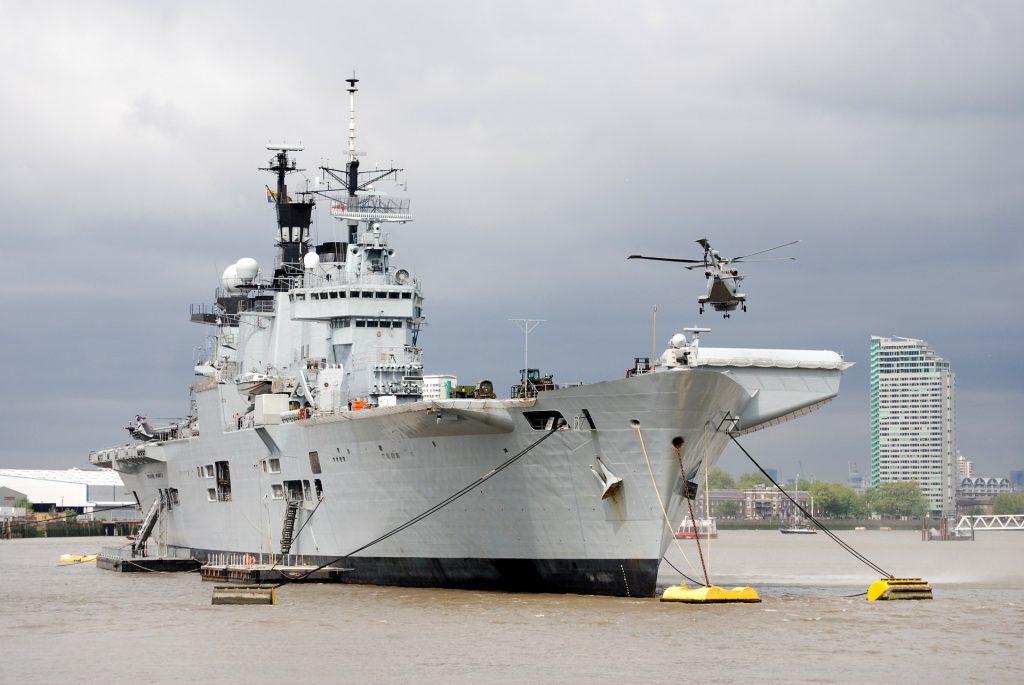 İngiltere, Karadeniz'e iki savaş gemisi gönderiyor