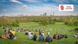 Londralılar koronavirüs kısıtlamaların hafifletilmesinden umutlu