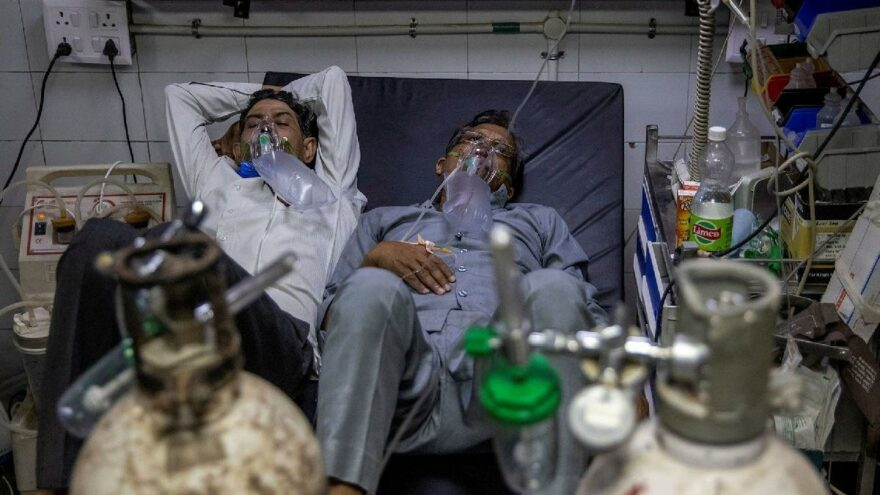 Sağlık sistemi çöktü: Bir yatakta iki hasta