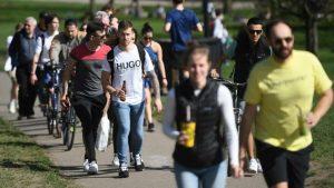 İngiltere'de son 24 saatte 7 bin 742 vaka