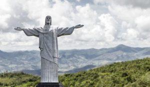 Brezilya'da ünlü Kurtarıcı İsa heykelinden daha uzun bir İsa heykeli inşa ediliyor