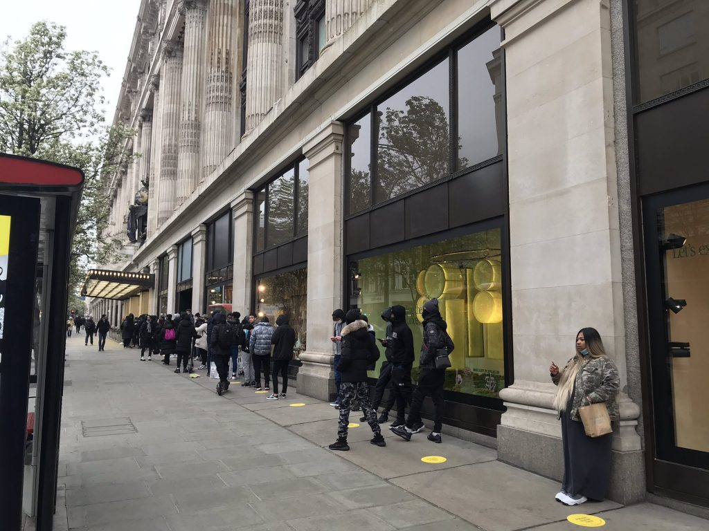 Non-essential shops open their doors as lockdown eases
