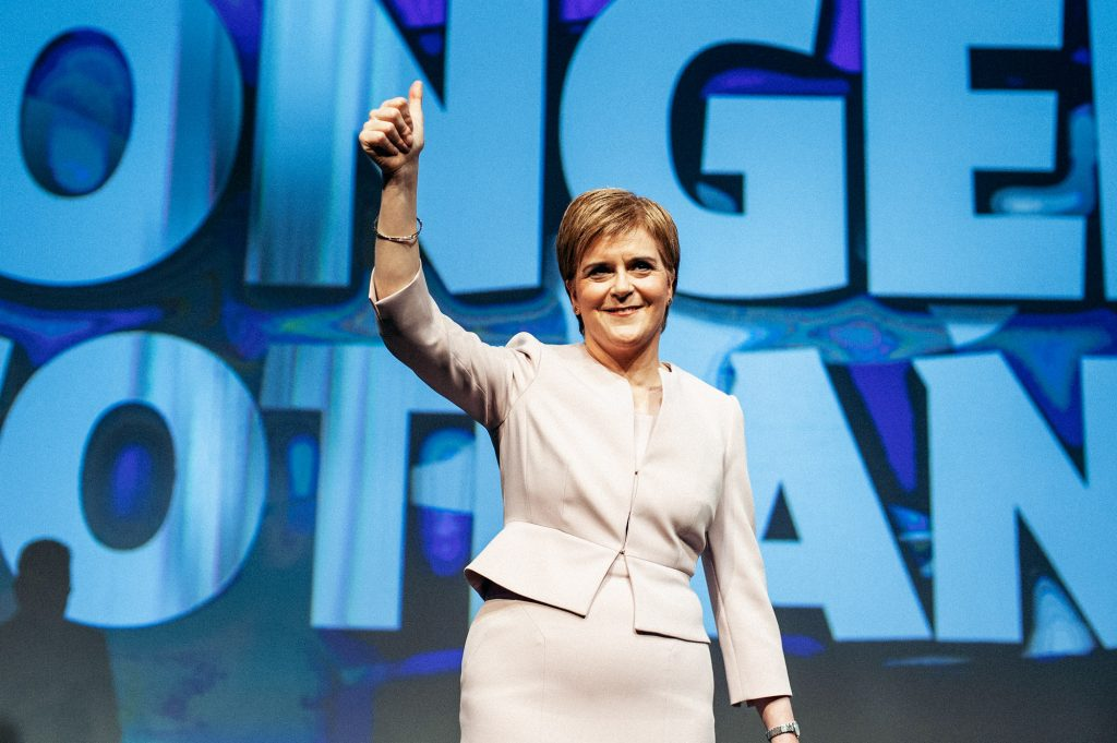 İskoçya'da parlamento seçimlerini bağımsızlık yanlısı İskoç Ulusal Partisi kazandı