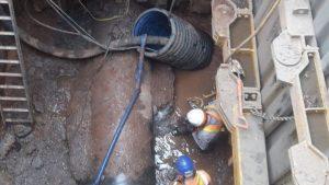 300 tonluk yağ kütlesi İngiltere'deki kanalizasyonu tıkadı