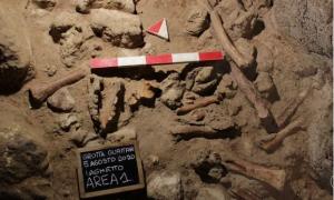 İtalya'daki bir mağarada 9 Neandertal kalıntısı bulundu