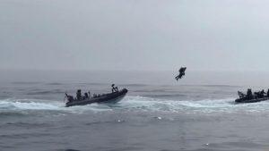 İngiltere donanması 'uçan askerleri' test etti