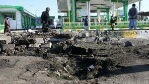Afganistan'da cuma namazında saldırı: Onlarca ölü var
