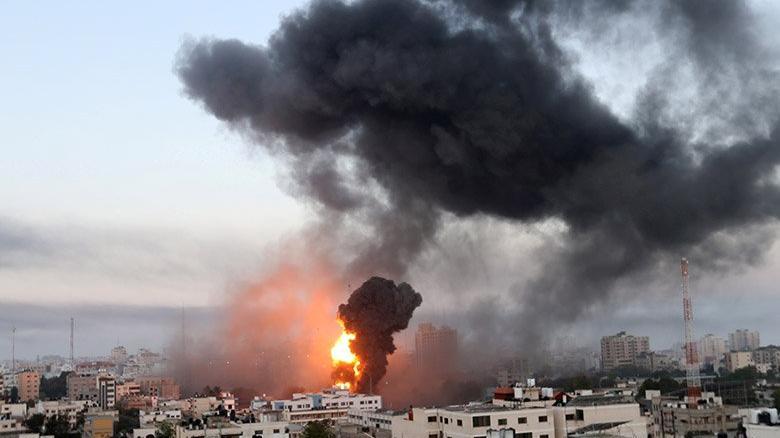 İsrail, Filistin'de yine sivilleri hedef aldı